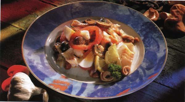 салат из белых свежих грибов рецепт #12